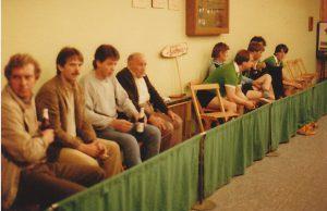 Mai 1984-ZUschauer (Fritz Wilmes 4.v.lks.)und Gäste-BSV-Meiste